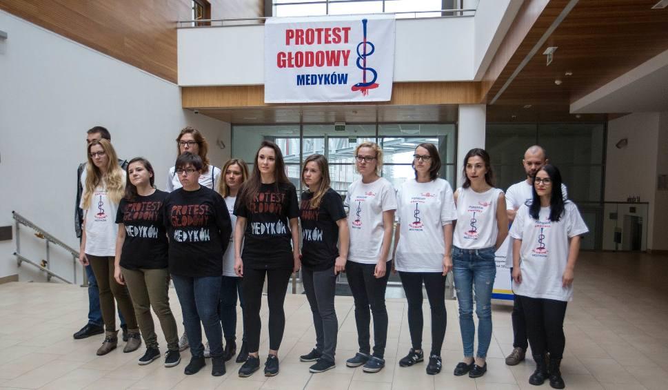 Film do artykułu: Protest głodowy rezydentów w Gdańsku [ZDJĘCIA, WIDEO]