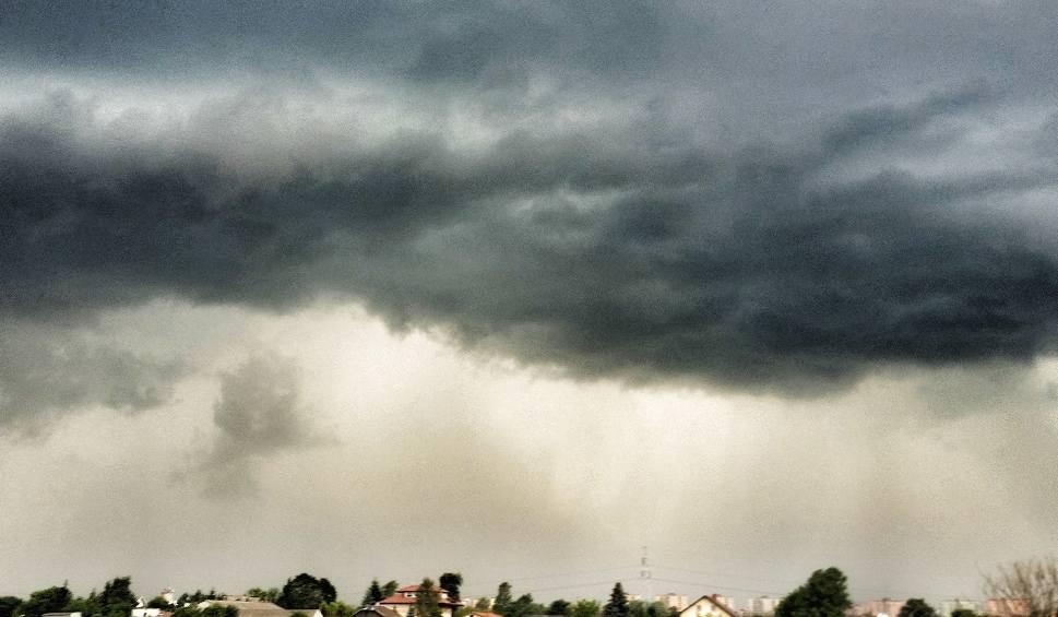 Film do artykułu: Ostrzeżenie pogodowe dla woj. lubelskiego. Nadciągają burze z gradem