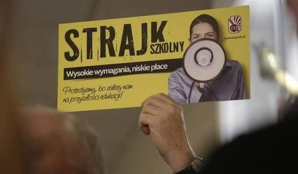 Film do artykułu: Strajk nauczycieli 2019 w powiecie opatowskim - DZIEŃ 17. Nikt nie strajkuje