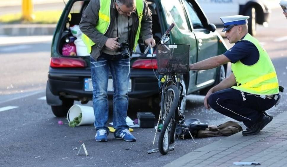 Film do artykułu: Wypadki w Stalowej Woli i Zalesiu. Dwie osoby nie żyją