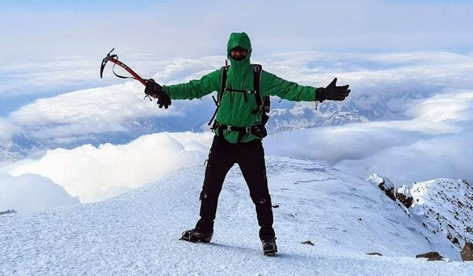 Film do artykułu: Wąchock. Wiceburmistrz Sebastian Staniszewski zdobył najwyższy szczyt Europy
