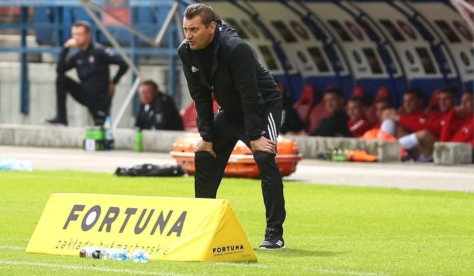 Film do artykułu: Fortuna 1 Liga. Chojniczanka też zmieni trenera? Przemysław Cecherz może stracić pracę. Kandydatem na następcę jest Maciej Bartoszek
