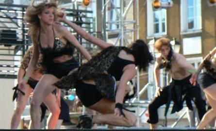 Dziewczyny szalały na scenie