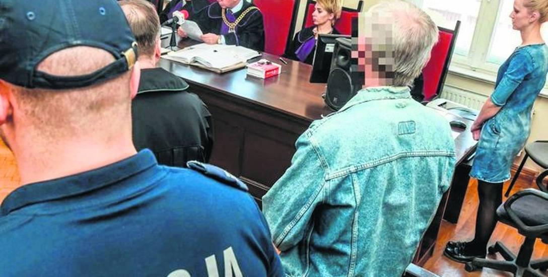 Roman K. wysłuchał wyroku ze spokojem. Sąd oczyścił go z zarzutu usiłowania zabójstwa. K. pójdzie jednak do więzienia.