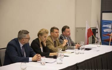 W debacie wzięli udział m.in. Tomasz Lenz (PO), Joanna Scheuring-Wielgus (Nowoczesna), Marek Jopp (asystent  posła Janusza Zemke), Eugeniusz Gołembiewski