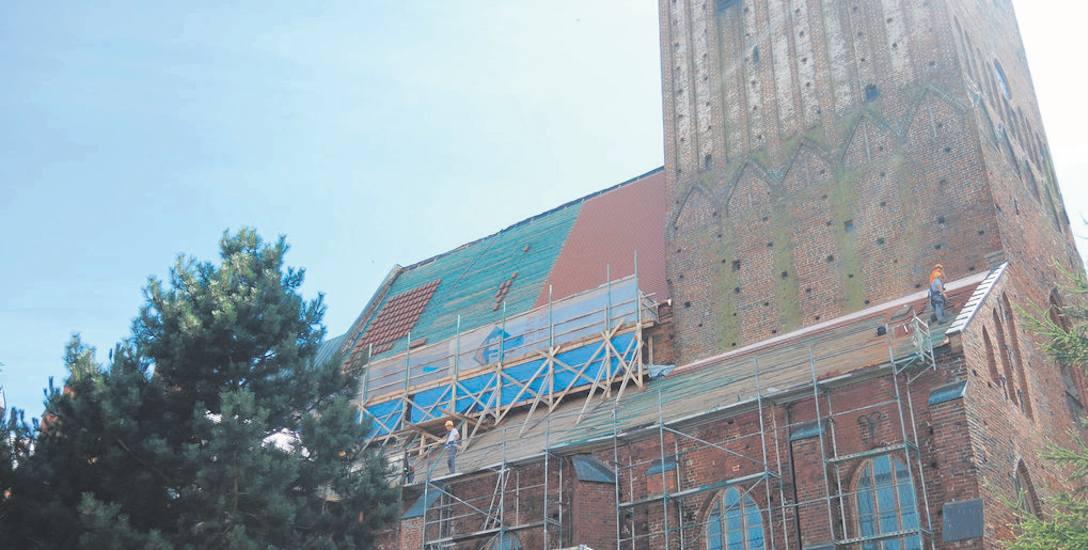 Prace polegające m.in. na wymianie pokrycia dachowego na dachówkę ceramiczną potrwają do października bieżącego roku