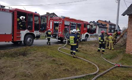 Do tragicznego pożaru domu doszło w niedzielę, 8 rudnia, we wsi Kałek w gminie Sulejów. W płomieniach zginęła 80-letnia kobieta.Do pożaru domu doszło