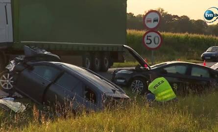 Tragiczny wypadek pod Trzebnicą. Dwie osoby nie żyją