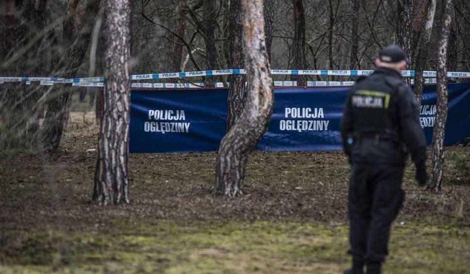 Film do artykułu: Oczesały. Martwy 24- latek znaleziony w aucie w gminie Belsk Duży