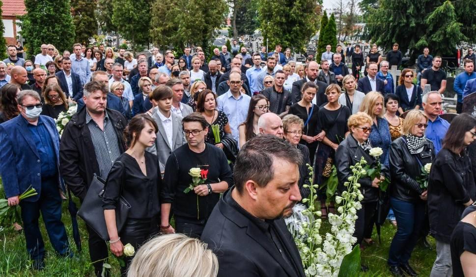 Film do artykułu: Rodzina i przyjaciele pożegnali Bartosza i Annę, którzy zginęli w Tatrach [zdjęcia, wideo - 20.06.2020 r.]