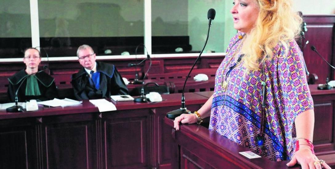 Magda Gessler zeznaje podczas jednej z rozpraw karnych przed Sądem Rejonowym w Słupsku.