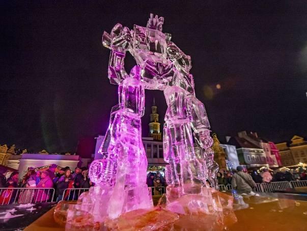 Zakończył się Poznań Ice Festival 2018. Na Starym Rynku można podziwiać piękne rzeźby z lodu. Zobaczcie zdjęcia, bo te cuda zapewne szybko stopnieją.Przejdź