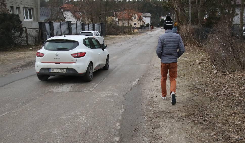 Film do artykułu: Mieszkańcy kieleckiej ulicy walczą o chodnik. Powstanie w tym roku?
