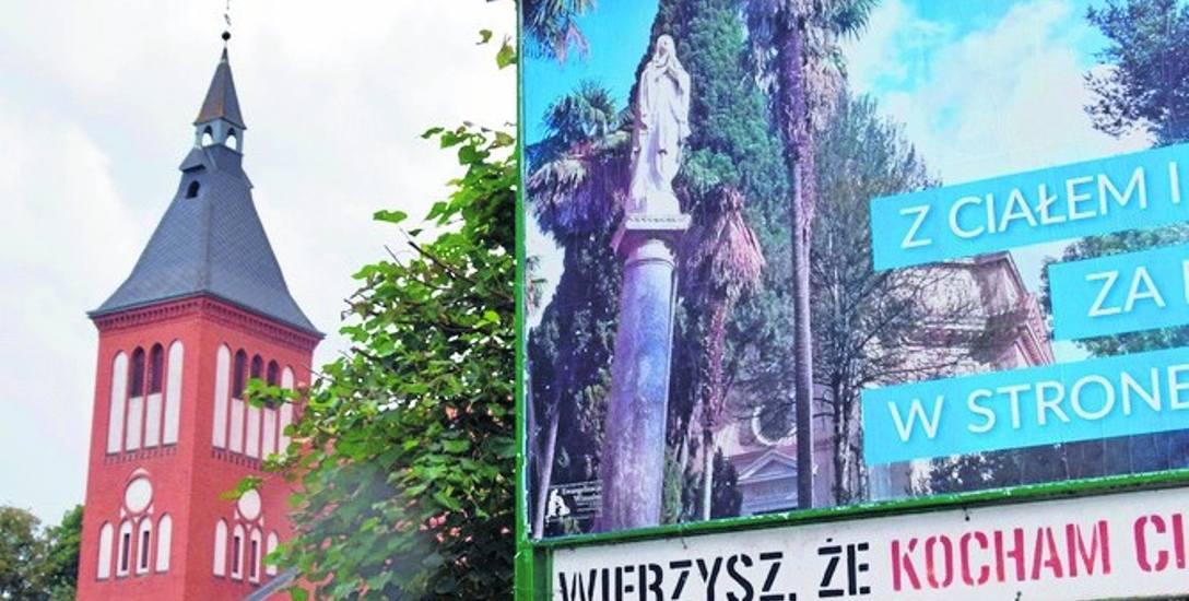 Swarożyn. Proboszcz gra pieśni religijne z megafonu na wieży kościelnej. Interwencja Wojewódzkiego Inspektoratu Ochrony Środowiska