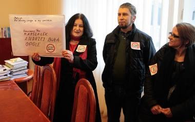 """23 lutego tego roku opolska Koalicja Antysmogowa wręczyła marszałkowi regionu petycję """"Nie chcemy smogu w woj. opolskim"""", domagając się uchwały w tej"""