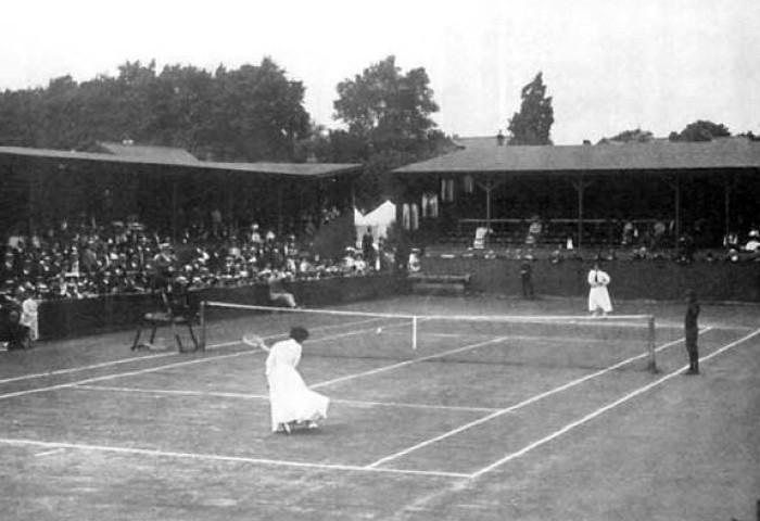 Mecz singlowy tenisistek w Londynie w 1908 roku (letnie igrzyska olimpijskie)