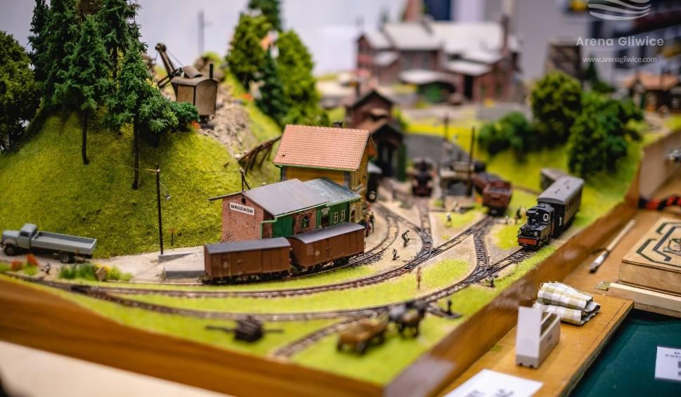 Film do artykułu: Miniaturowa Polska 2020. Wystawa makiet kolejowych z jeżdżącymi pociągami w Arenie Gliwice 26 i 27 września 2020