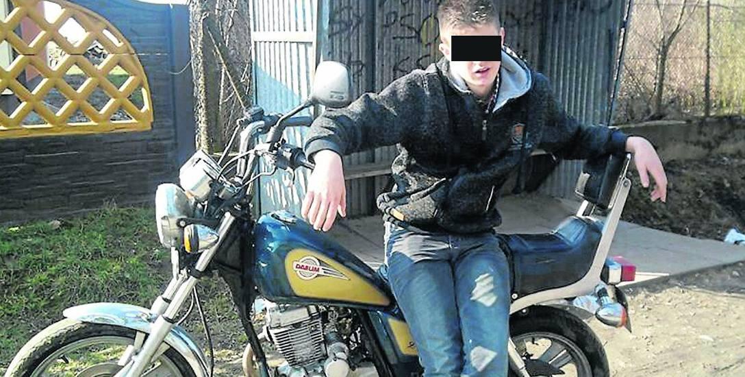 19-letni Dominik K. był członkiem szajki oszustów, która  wyłudziła od rolników krowy o wartości około 150 tysięcy złotych