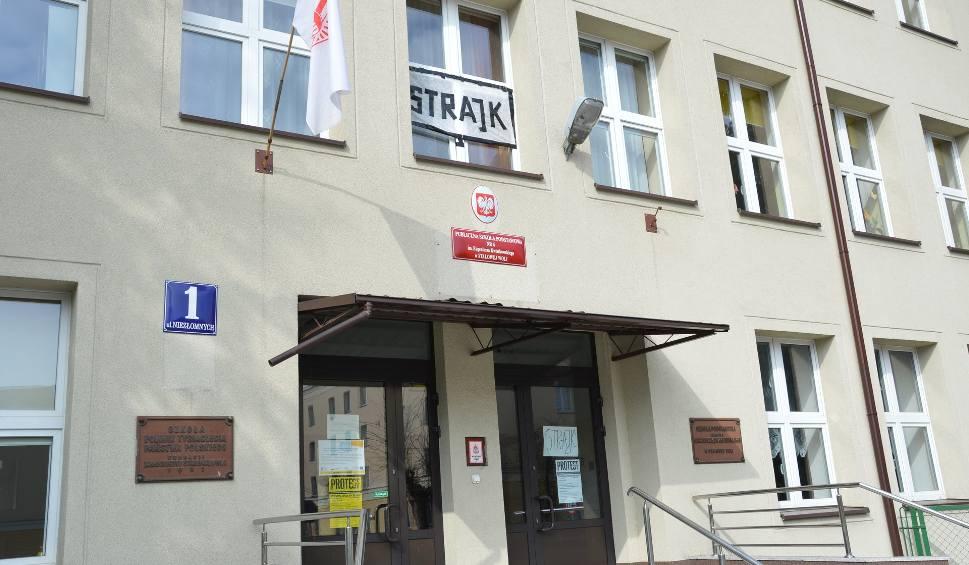 Film do artykułu: Rady klasyfikacyjne dopuszczają uczniów do matury w powiecie stalowowolskim i niżańskim