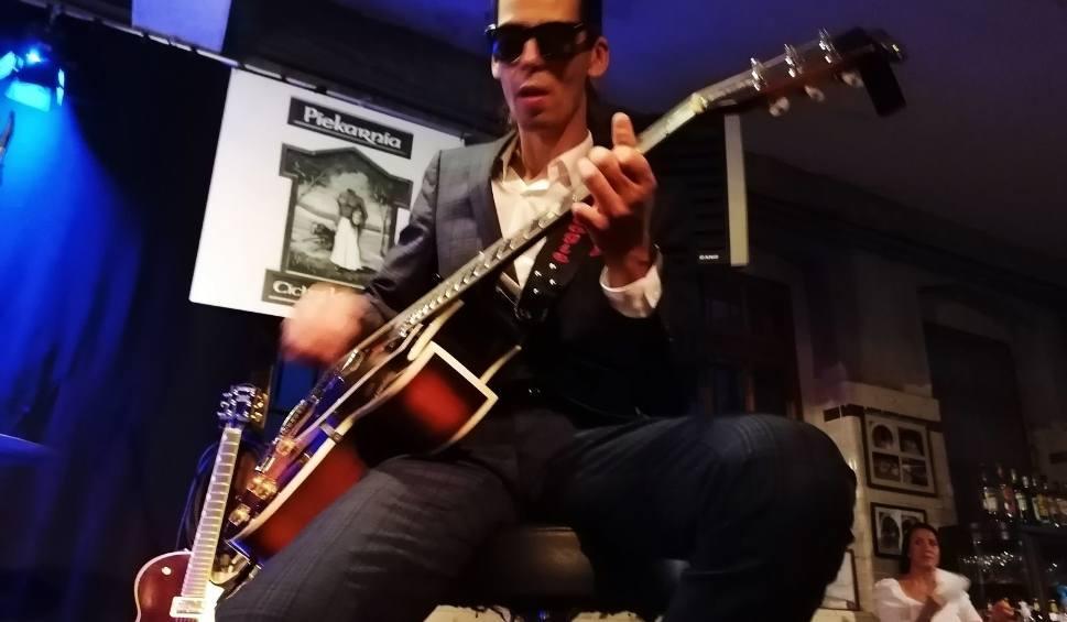 Film do artykułu: Fantastyczna atmosfera na ostatnim koncercie z cyklu Bluesowe Noce. Zagrał Smooth Gentlemen