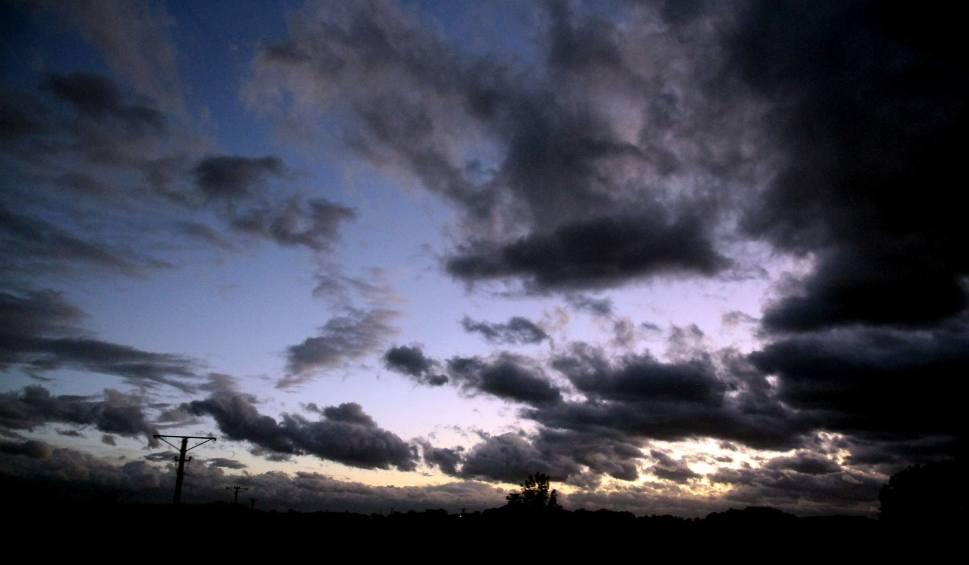 Film do artykułu: Bardzo silny wiatr na Podkarpaciu. Meteorolodzy podnoszą stopień zagrożenia