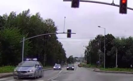 Pijany kierowca próbował rozjechać policjanta w Wodzisławiu Śląskim WIDEO