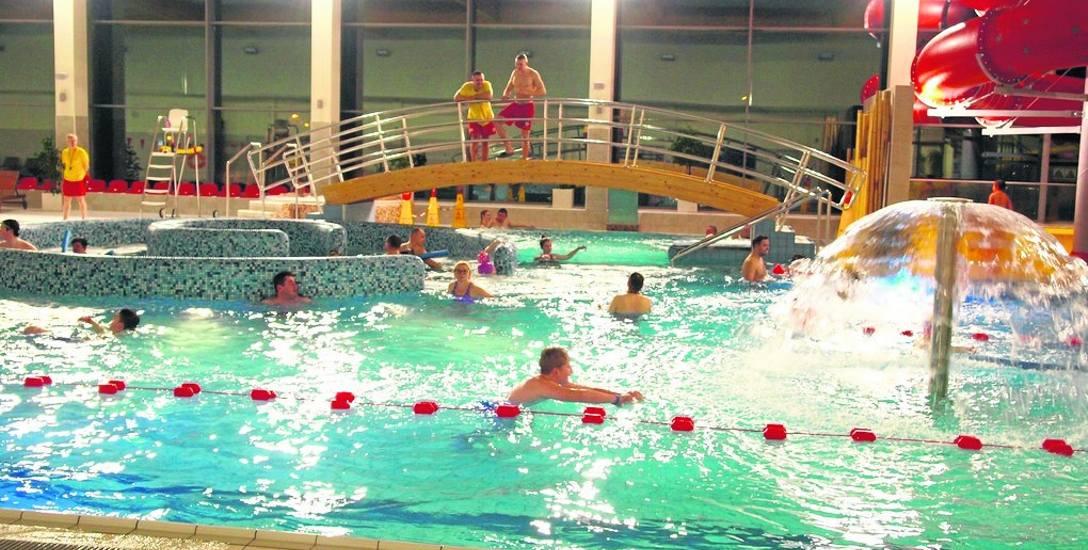 Białogardzka pływalnia to część sportowo - wyczynowa oraz, widoczna na zdjęciu, część rekreacyjna. W ciągu tych dwóch lat pływalnię odwiedziło aż 217