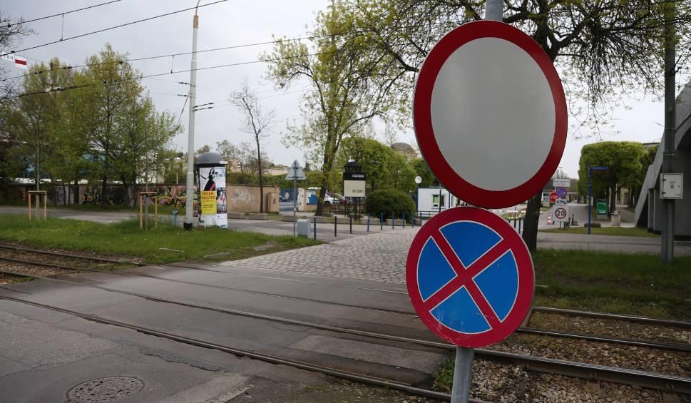 Film do artykułu: Ten znak nie ma sensu, ale urzędnikom to nie przeszkadza