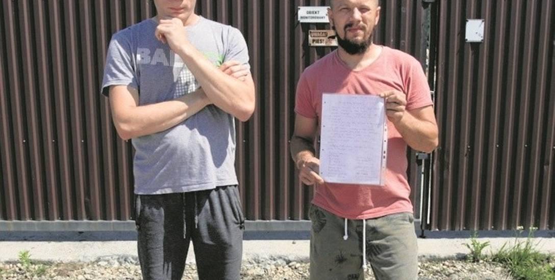 Jarosław i Marcin Golińscy uważają, że składowisko odpadów może stanowić zagrożenie dla ich miejscowości