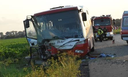 Wypadek autobusu pod Wrocławiem. 14 osób rannych