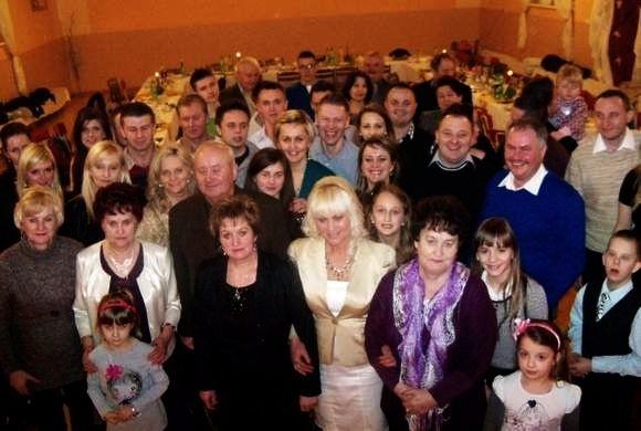 Najstarsza, Bogusia, ma dziś 72 lata. Po niej urodził się Marian, Stanisława, Marysia, Zofia, Wandzia, Zenek, Tadek, Krysia, Grażyna, Józek, Janek, Halina,