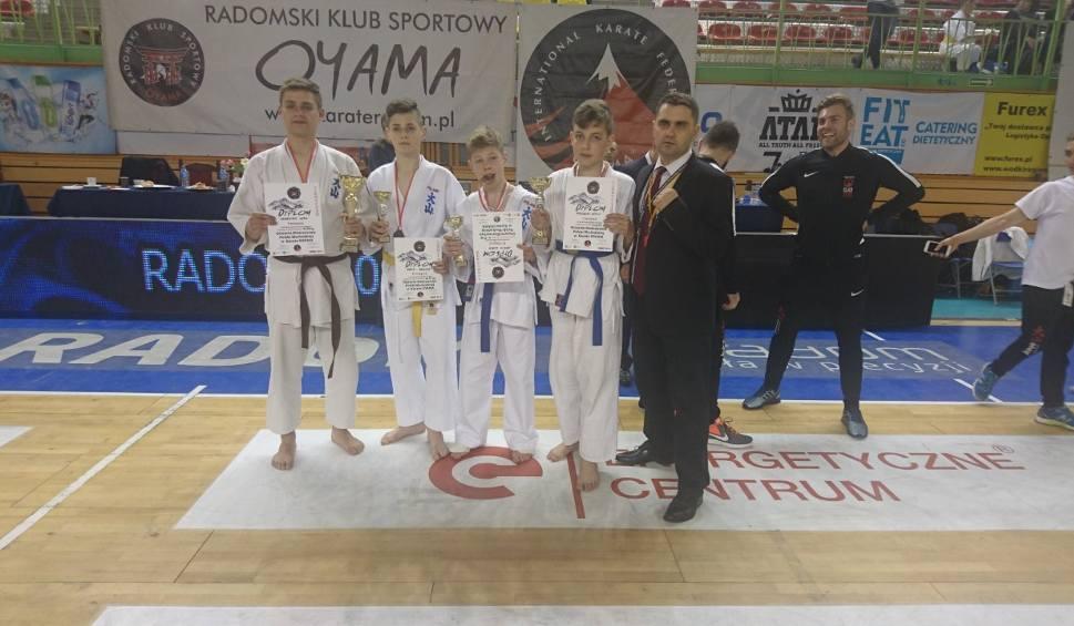 Film do artykułu: Cztery medale reprezentantów Tarnobrzeskiego Klubu Oyama Karate