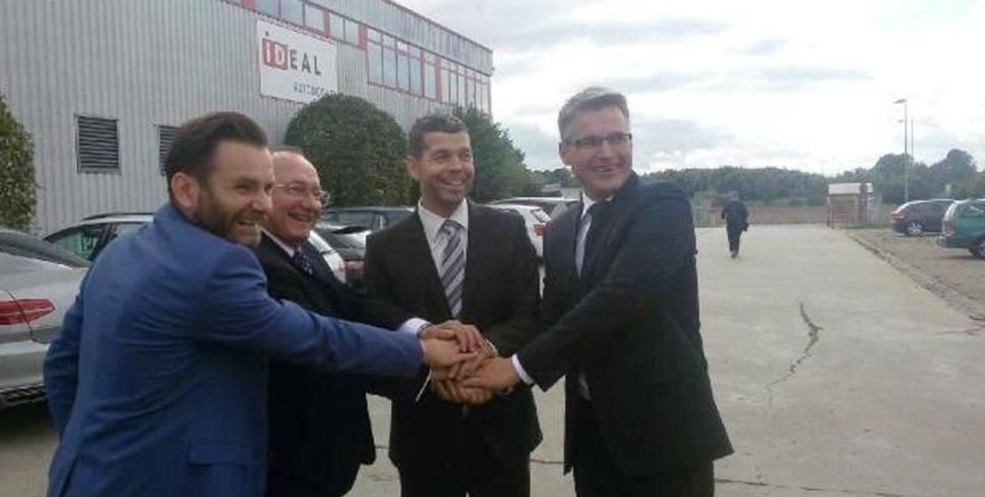 Wczoraj w Bambergu: Dariusz Lesicki, Stanisław Iwan, prezes Stefan Frey i Janusz Kubicki tuż po podpisaniu porozumienia