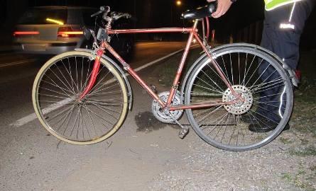 50-letni rowerzysta z Bielska-Białej potrącony przez alfa romeo na ul. Turystycznej w Brzeszczach