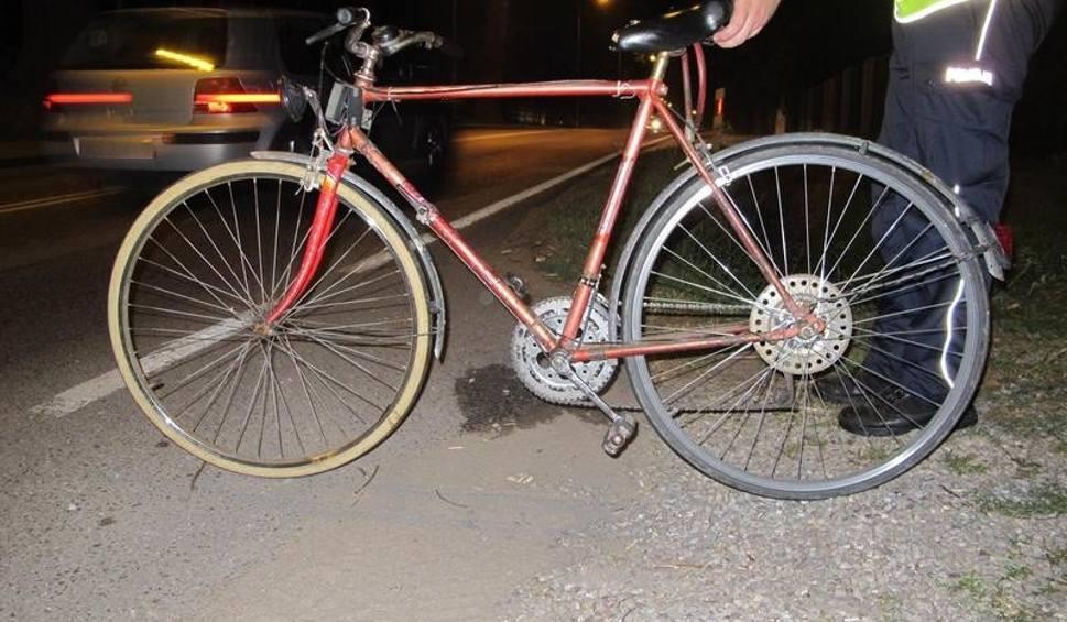 Film do artykułu: 50-letni rowerzysta z Bielska-Białej potrącony przez alfa romeo na ul. Turystycznej w Brzeszczach