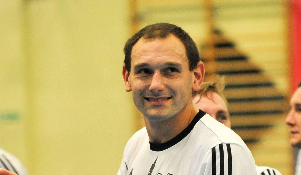 Film do artykułu: 1 liga futsalu. Berland Komprachcice i Gredar Brzeg sięgnęły po trzy punkty, niepowodzenie Odry Opole