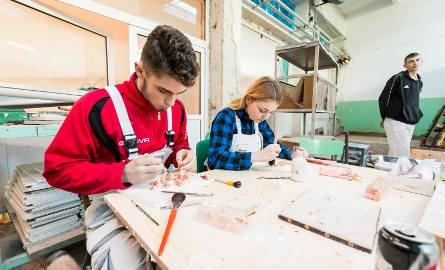 W branżowej szkole zawodowej I stopnia w Zespole Szkół Budowlanych w Bydgoszczy fachu uczą praktycy