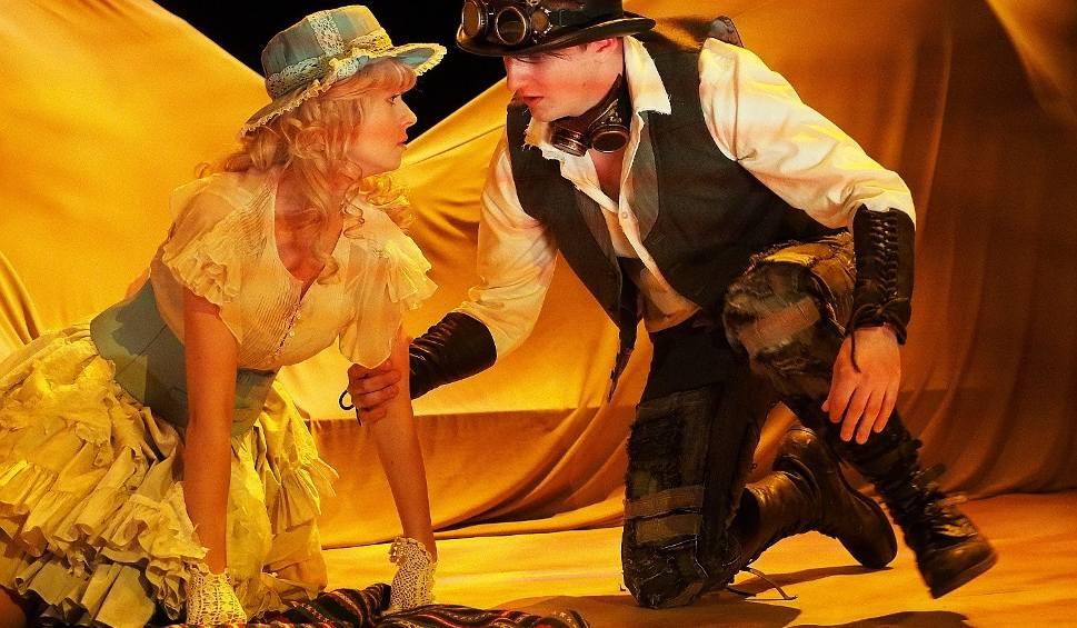 Film do artykułu: Teatr Dramatyczny. W pustyni i w puszczy 3. Staś i Nel znowu na planie filmowym (zdjęcia, wideo)