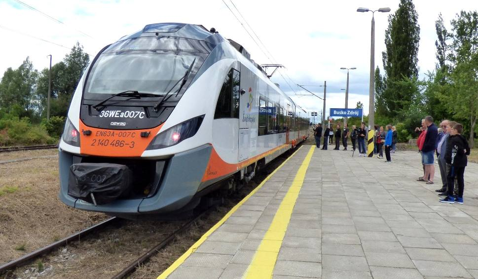 Film do artykułu: Pociągi wracają na trasę Kielce - Busko-Zdrój! Pierwszy kurs - 29 czerwca