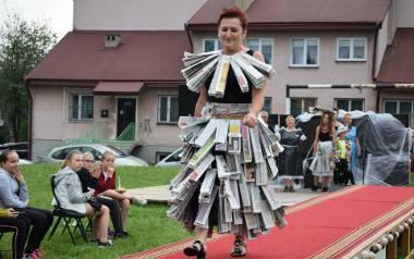 Najnowsze trendy światowej mody recyklingowej na plenerowym wybiegu. Te kreacje powinna mieć każda piękna kobieta
