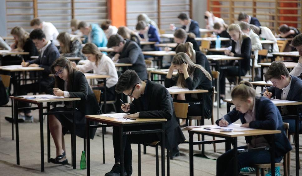 Film do artykułu: Egzamin gimnazjalny 2017. Znamy wyniki! Jest kiepsko