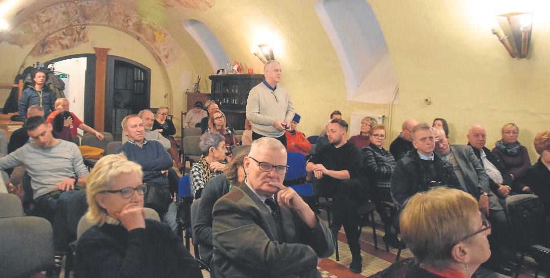 O stargardzkim Holokauście i losie żydowskiej rodziny Lewinów można było posłuchać w Piwnicy Towarzystwa Przyjaciół Stargardu. Sala TPS była niemal