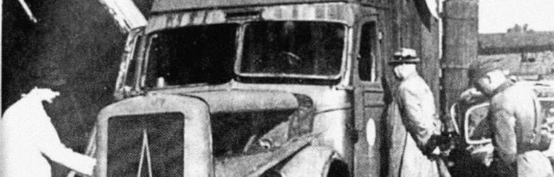 Jeden z samochodów ciężarówek marki Magirus-Deutz, przeznaczonych do gazowania ludzi, odnaleziony w Chełmnie nad Nerem w 1945 r.