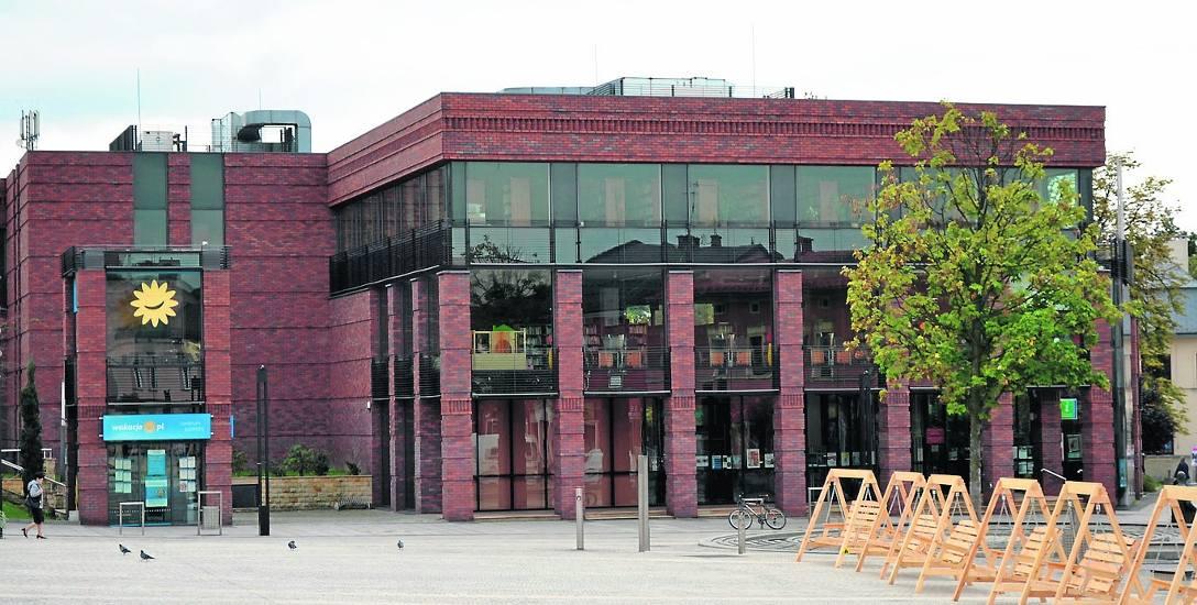 Jaworzno zamknie dwie filie biblioteki, ale lubią tam czytać