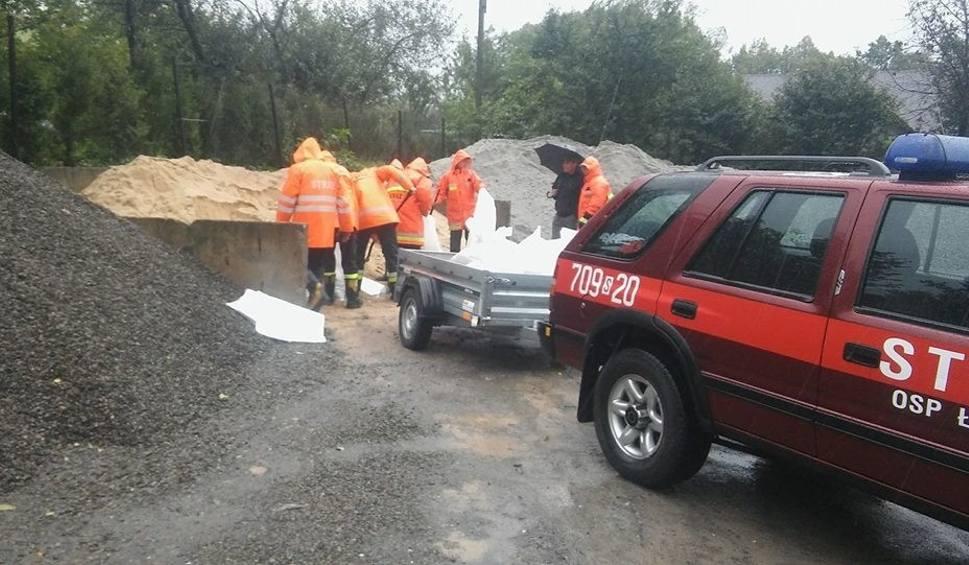 Film do artykułu: Wojewoda śląski: pogotowie powodziowe. Spadnie 60 mm deszczu. Stany alarmowe przekroczone