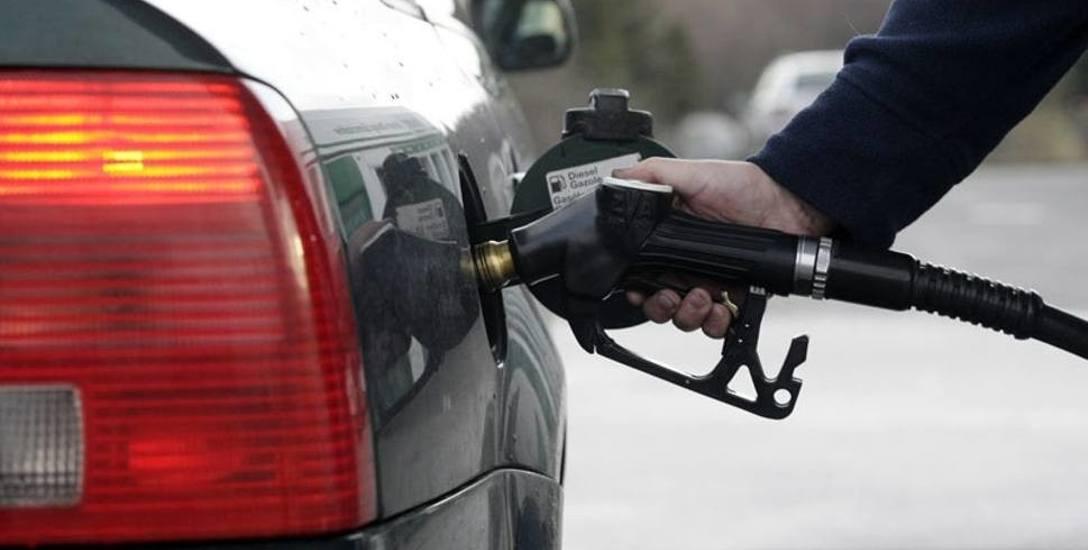 Dobre wieści dla kierowców. Paliwa miały drożeć, a ich ceny wyraźnie spadają