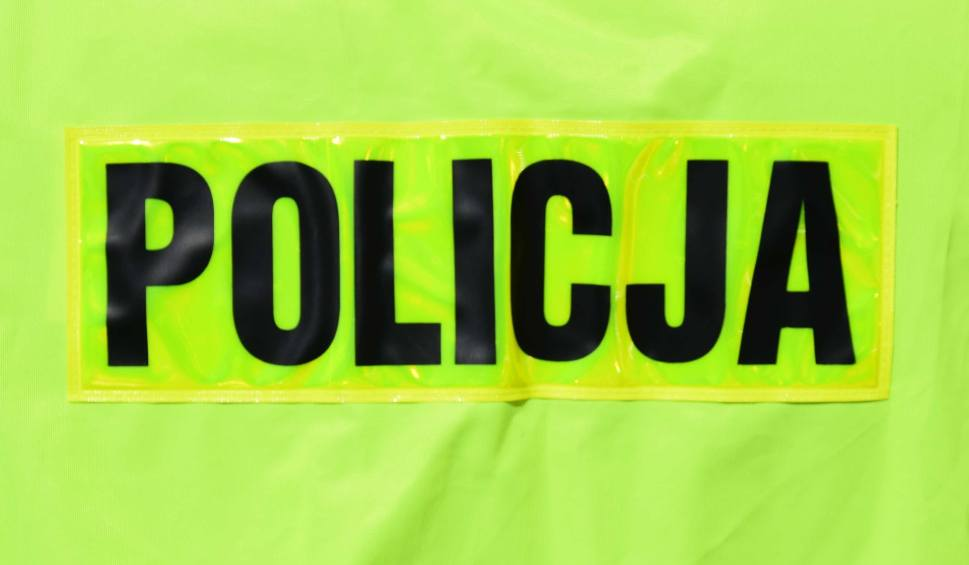 Film do artykułu: Dzielnicowi ze Zwolenia zatrzymali pijanego kierowcę podczas interwencji w Celestynowie. Przyjechał do rodziny, ale był kompletnie pjany