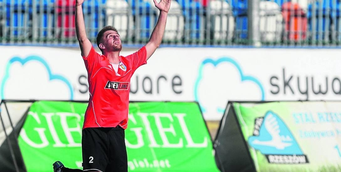 - Jeśli szybko nie będzie stanowiska, to piłkarze poszukają sobie nowych klubów - mówi Hubert Wolski, prezes Karpat Krosno
