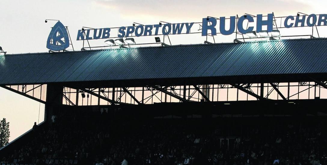 Stadion Ruchu jest z 1935 roku. W 1937 r. powstała słynna trybuna, która służy kibicom do dziś