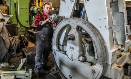Fabryka Obrabiarek do Drewna sprzedaje swoje grunty - przenosi się do Dobrcza.
